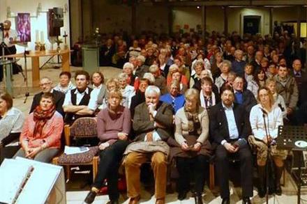Spende an Hospizgruppe von Shanty-Chor